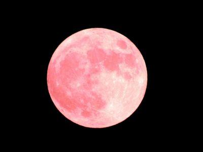 赤い満月ストロベリームーンなぜ赤い?理由を詳しく!世界の満月の呼び名もまとめて