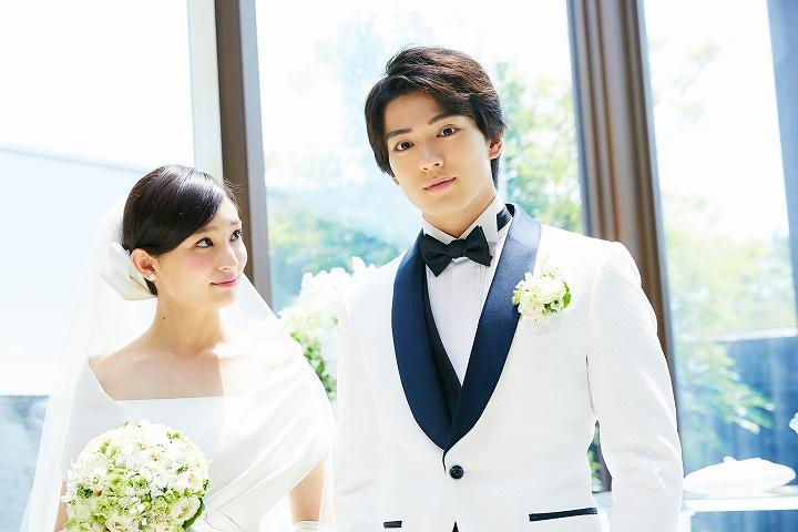 新田真剣佑と吉川愛 初共演の2人のブライダルCMが話題に!男性では初代。イケメン二世俳優と元実力派天才子役のプロフィールもまとめ