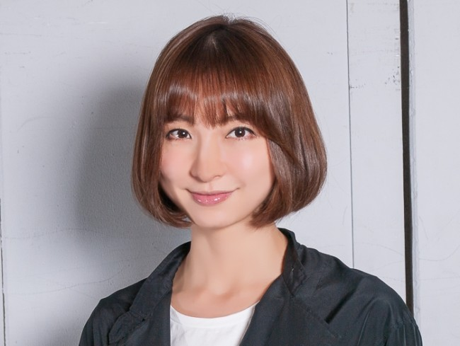 篠田麻里子が第1子妊娠発表!ハワイでの挙式元AKBメンバー集合写真あり