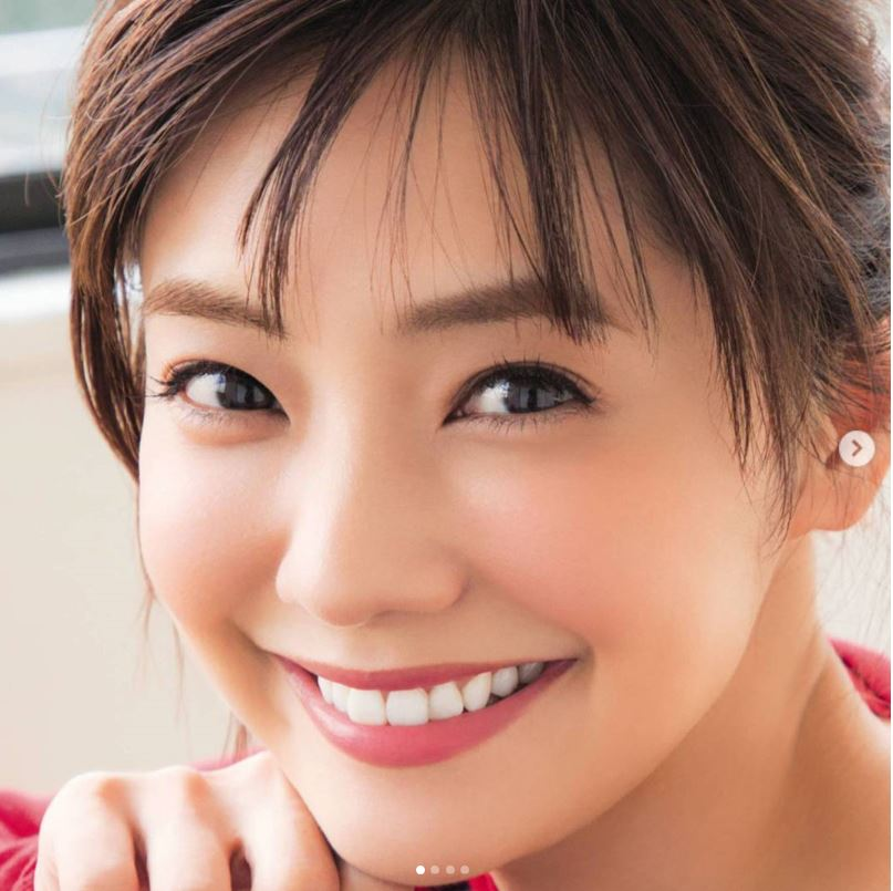 倉科カナがミニスカスタイル披露!!アイドル姿が可愛いと評判